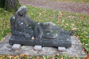 20160729 Statue Friedhof Höchst 02
