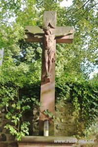 20160826 Höchst Schlossplatz Jesus INRI 01