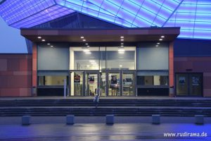 20160927-hof-freiheitshalle-nacht-beleuchtet-02