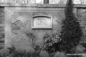20161012-historisch-grab-friedhofsmauer-frankfurt-01