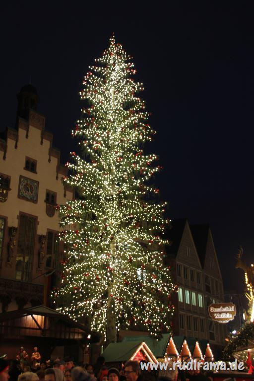 Weihnachtsbaum Frankfurt.Der Frankfurter Weihnachtsbaum Strahlt über Dem Römer Rudirama